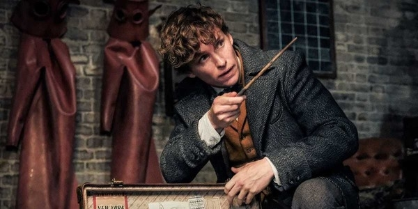 Eddie Redmayne Explains The Difference between Filming Fantastic Beasts 3 Before and After COVID-19